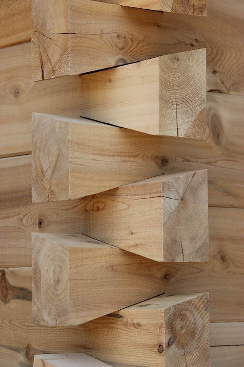 Heritage Dovetail Log Corners
